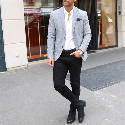 Blazer and black jeans with #chelsea boot by @kosta