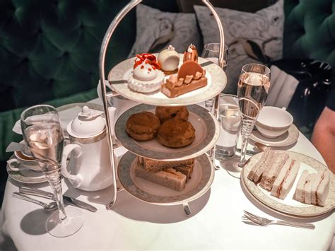 Afternoon Tea at the Grosvenor House Hotel in London – The