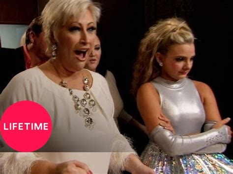 Kim of Queens: Addison Blends Clogging and Irish Step (S1