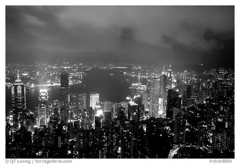 Black and White Picture/Photo: City lights from Victoria