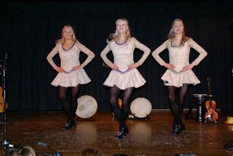 Shoreline Area News: Gothard Sisters rock the house at