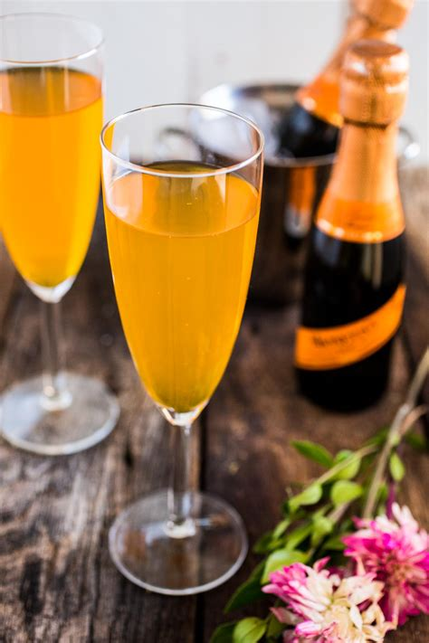 Top 10 Classic Champagne Cocktails with Recipes | Only Foods