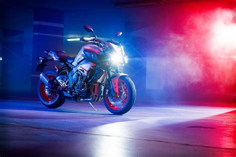 2020 Yamaha MT-10 Guide • Total Motorcycle