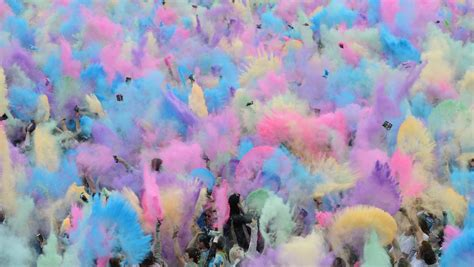 Holi Festival of Colours: Ist Gulal schädlich? - n-tv