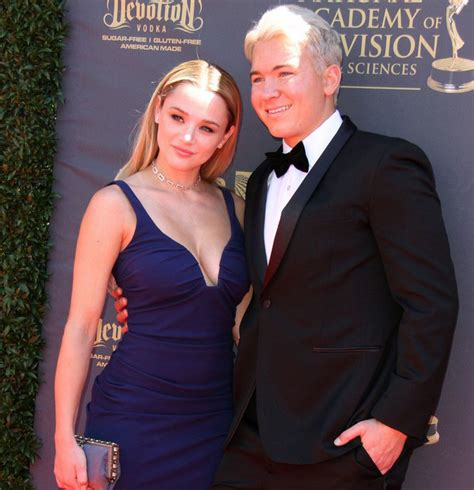 Hunter King's Dating Affair With Boyfriend Is Heart