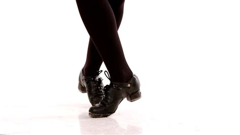How to Do a Drum | Irish Step Dancing - YouTube