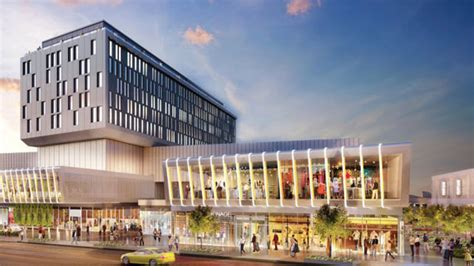 Empire Outlets Staten Island | Woodbury Commons | H&M